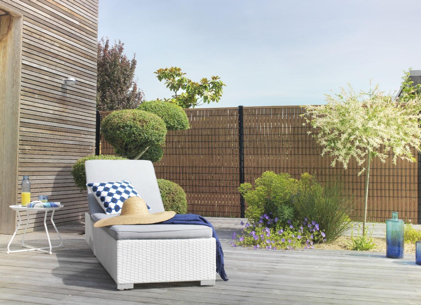 Habiller Un Poteau Interieur 44 façons de se cacher de vos voisins au jardin (photos et