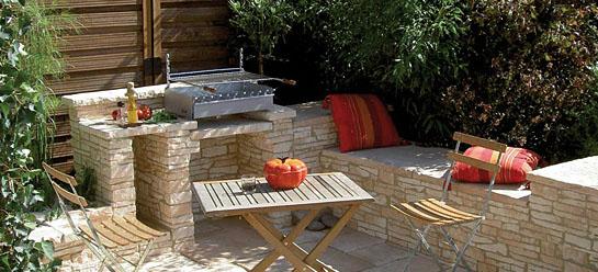 créer un coin repas au jardin - Amenager Une Cuisine Exterieure