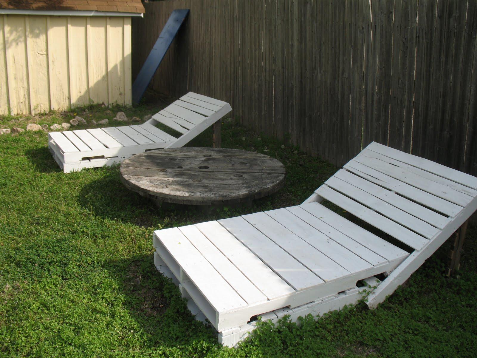 Terrasse En Palette Duree De Vie 5 idées pour recycler des palettes en bois dans son jardin
