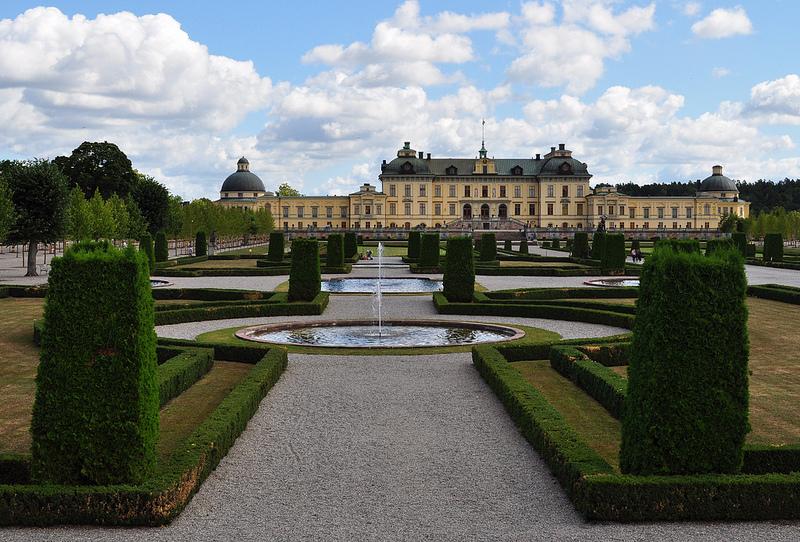 Jardin à la française avec arbustes topiaires ©Byb64- Flickr (Creative Commons)
