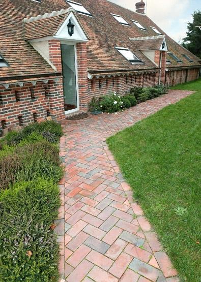 Les utilisations de la brique dans le jardin