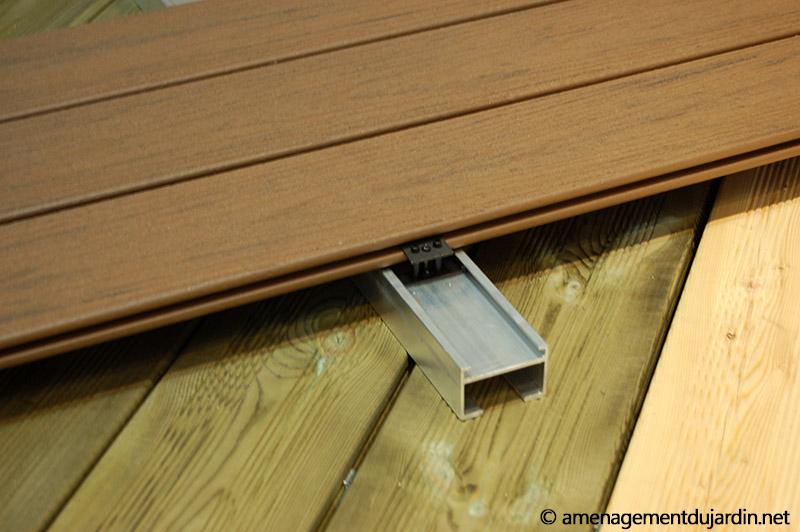 Lambourde en métal pour terrasse en bois composite