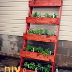 Potager vertical DIY ©gingersnapcrafts.com