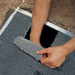 Création d'un trappe dans le grillage ©Instructables.com