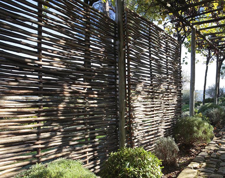 Brise vent au jardin toutes les solutions - Petite cloture jardin ...