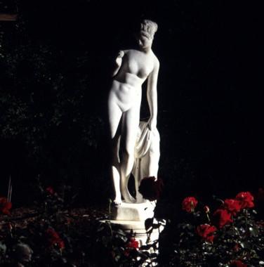 Statue éclairée ©lightingforgardens.com