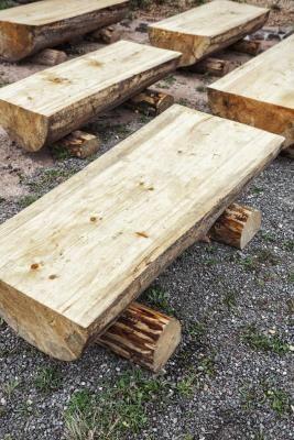 15 cr ations diy pour le jardin partir de rondins de bois. Black Bedroom Furniture Sets. Home Design Ideas