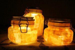Bocaux avec éclairage solaire ©foxandfeather.wordpress.com