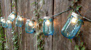Bocaux avec des ampoules ©sweetteaclothingco/etsy.com