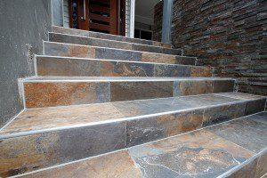 Escalier recouvert de carrelage ©percgroup.com.au