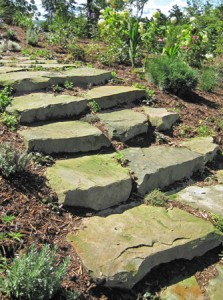 Escalier en blocs de pierre naturelle ©robinsonslandscaping.com