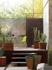 Pots agrémentant une terrasse ©Inconnu