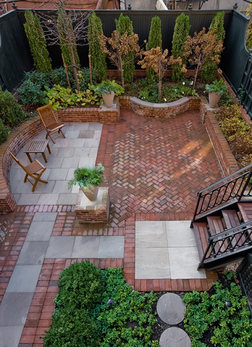 Complètement et trop extrême Comment aménager une cour comme un jardin &DC_37