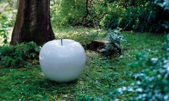 Sculpture en forme de pomme ©Bullstein.com