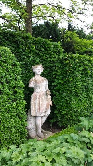 28 Idees De Statues Et Sculptures Pour Decorer Son Jardin