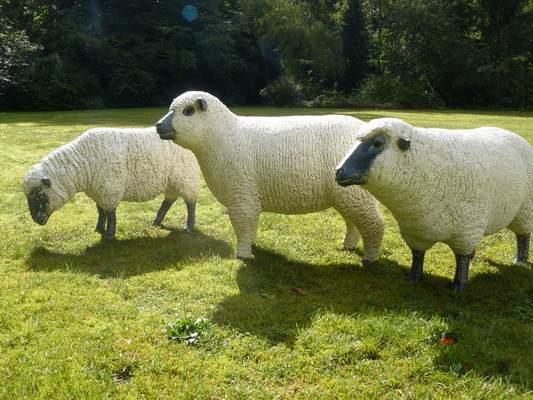Statues de moutons réalistes ©Texartes.eu