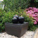 Fontaine boules avec réservoir apparent ©Ubbink