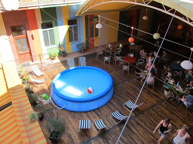 Piscine gonflable pour terrasse for Piscine 2m44