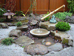 Petit bassin avec fontaine en bambou ©Tamatelandscaping.com