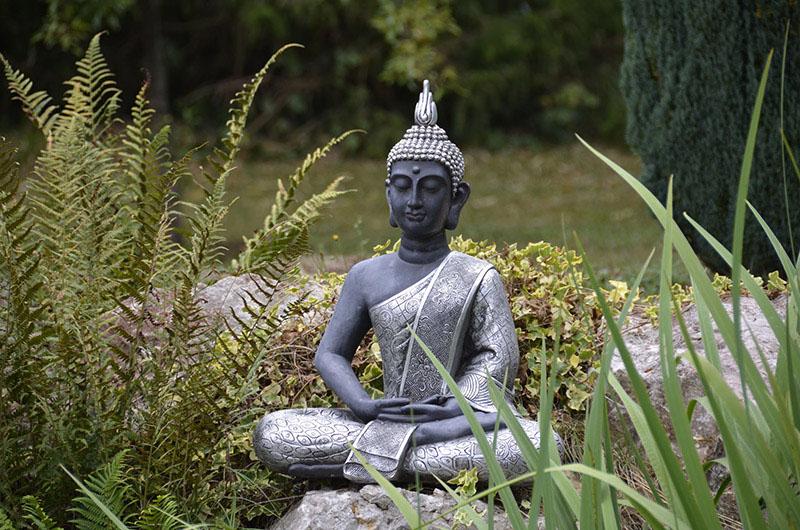 id es et conseils pour cr er une ambiance zen au jardin. Black Bedroom Furniture Sets. Home Design Ideas