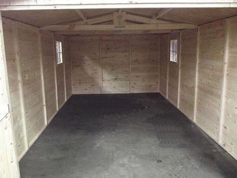 Intérieur d'un garage en bois ©Trigano Store