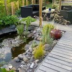 Terrasse à proximité d'un bassin ©Inconnu