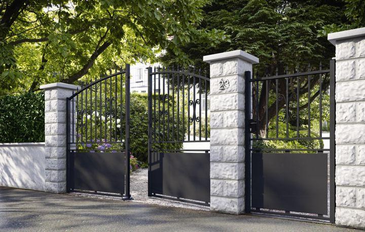 choisir un portail selon le style de votre jardin. Black Bedroom Furniture Sets. Home Design Ideas